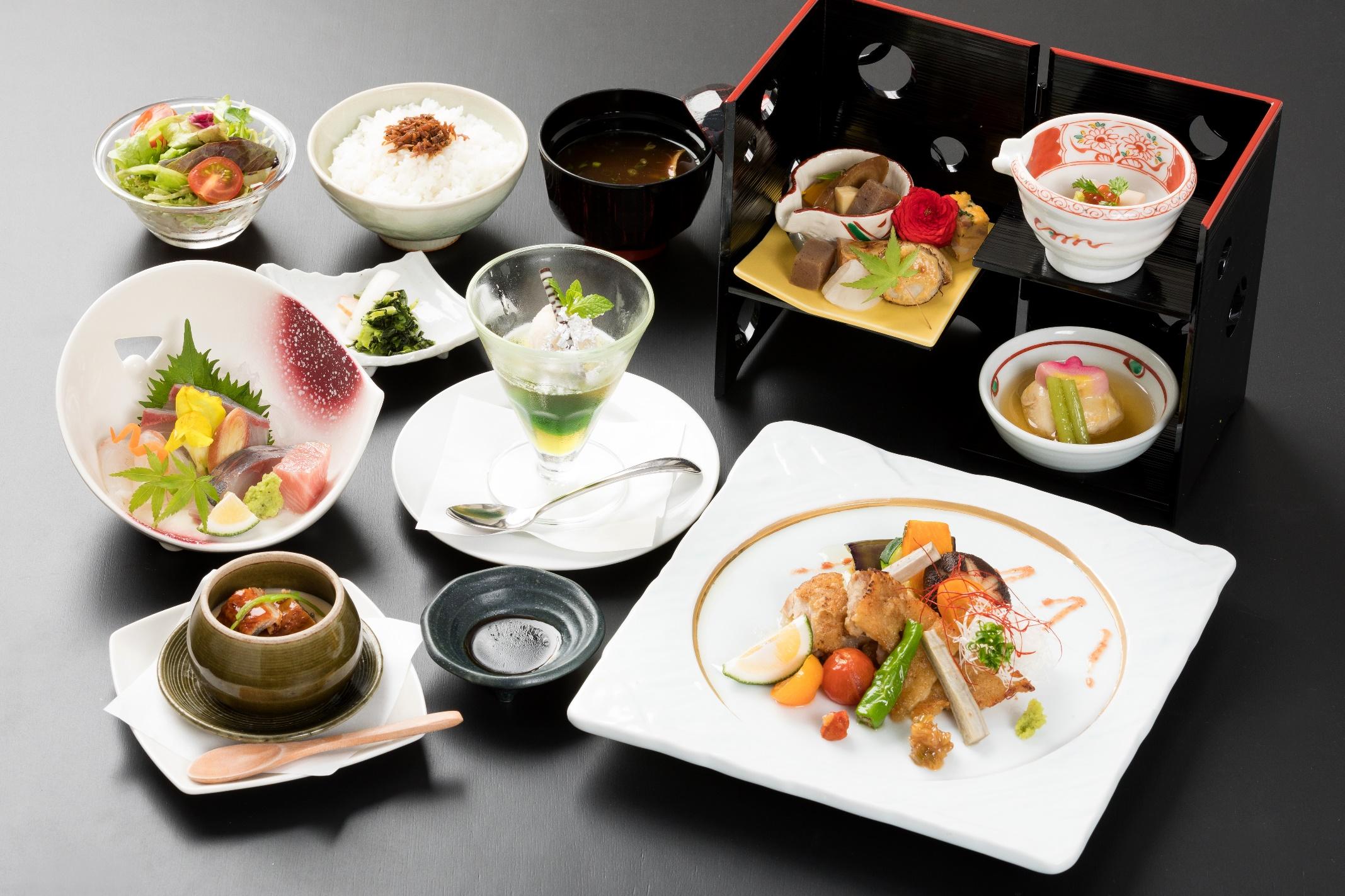 選べる会席4000円「冠地鶏もろみソースかけ(梅味噌)」の料理写真